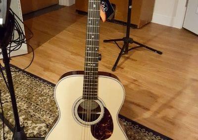 anchour-studio-wr-custom-acoustic-guitaranchour-studio-wr-custom-acoustic-guitar-1