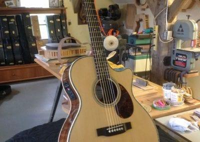 tom-dean-wr-custom-acoustic-cutaway-guitar-1